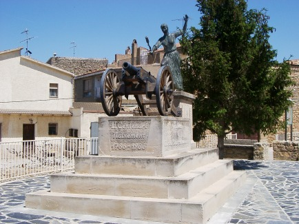 Monumento a Agustina en Fulleda (Lleida), pueblo natal de sus padres
