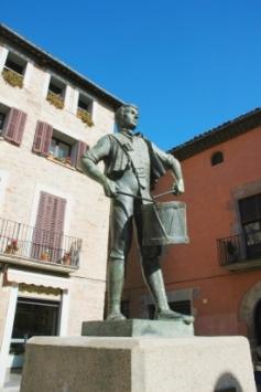 Monumento a Isidre Llusá en su pueblo natal de Santpedor (Barcelona)