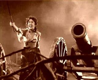 La actriz Aurora Bautista en una secuencia de la película