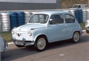Automóvil  Seat 600