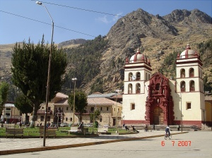 Plaza y Catedral de Huancavelica (corazón de los Andes)