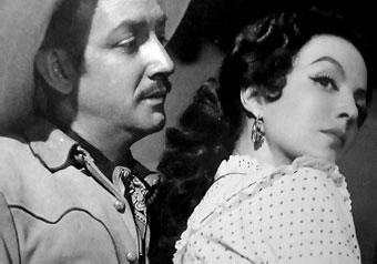 Con María Félix en El Rapto (1953)