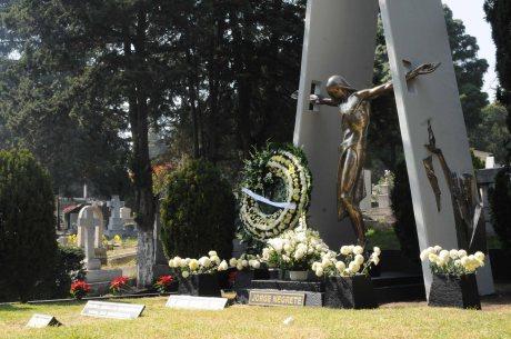 Tumba de Jorge Negrete en el Panteón Jardín de la ciudad de México.