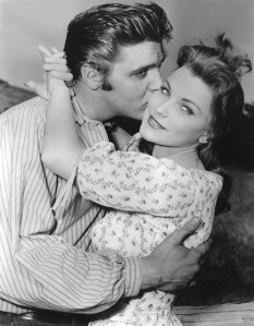 "Con Debra Paget en ""Love me tender"" (1956)"
