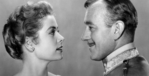 Grace Kelly y Alec Guinness en