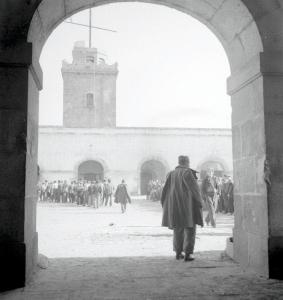 Prisioneros republicanos concentrados en el castillo de Montjuic.