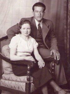 Su tía Florentina con su esposo Ramón.