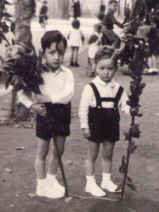 Sus primos Ramón y José María (ahijado).