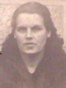 Su madre María Braulia