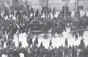 La comitiva fúnebre a su paso por las calles de Madrid.