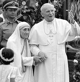 Con Juan Pablo II en Calcuta.