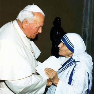 Con Juan Pablo II en el Vaticano, junio de 1997.