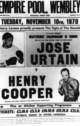 Cartel del combate con Henry Cooper.