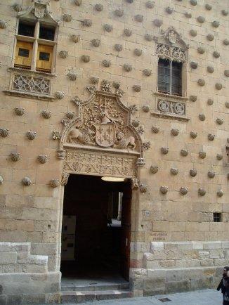Salamanca, (Casa de las Conchas)