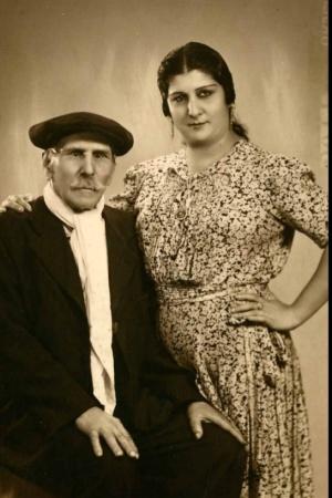 El abuelo de Carmen Amaya y su tía Juana.