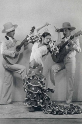 Con su padre y su hermano Paco.