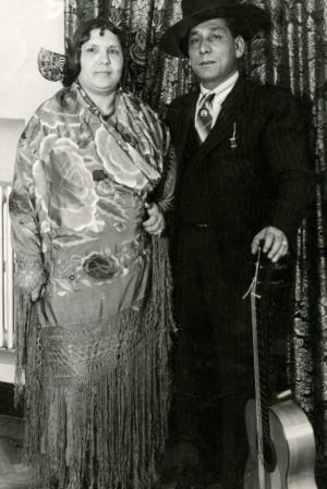 """Sus padres, Mikaela Amaya y José Amaya """"El chino""""."""
