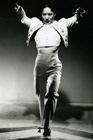 Carmen Amaya en zapateando por alegrías.