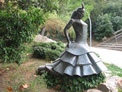 Monumento a Carmen Amaya en el Parque de Atracciones Monjuic, hoy Jardines Joan Brossa.