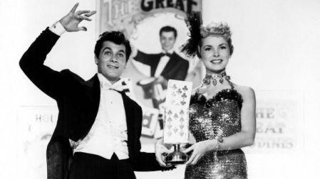 """Tony Curtis y Janet Leigh, protagonistas de """"El gran Houdini"""" en 1953."""