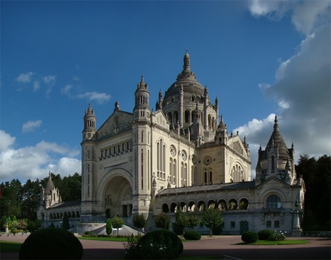 7 Basilica de Santa Teresita de Lisieux